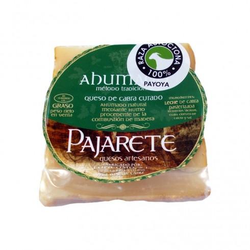 Queso de cabra ahumado en maderas nobles Pajarete